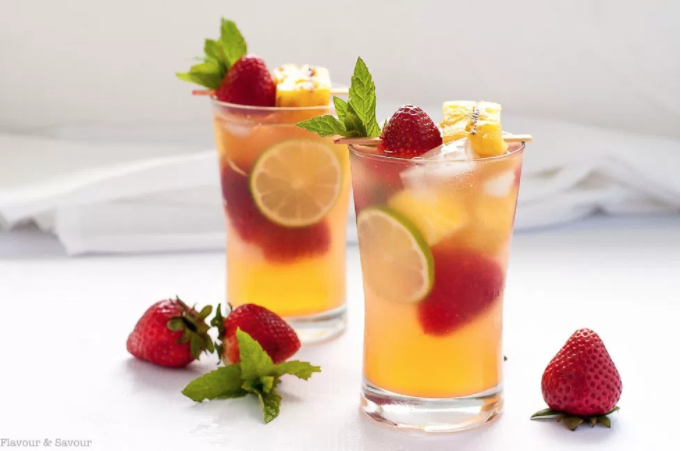 https://www.flavourandsavour.com/grilled-pineapple-strawberry-sangria/